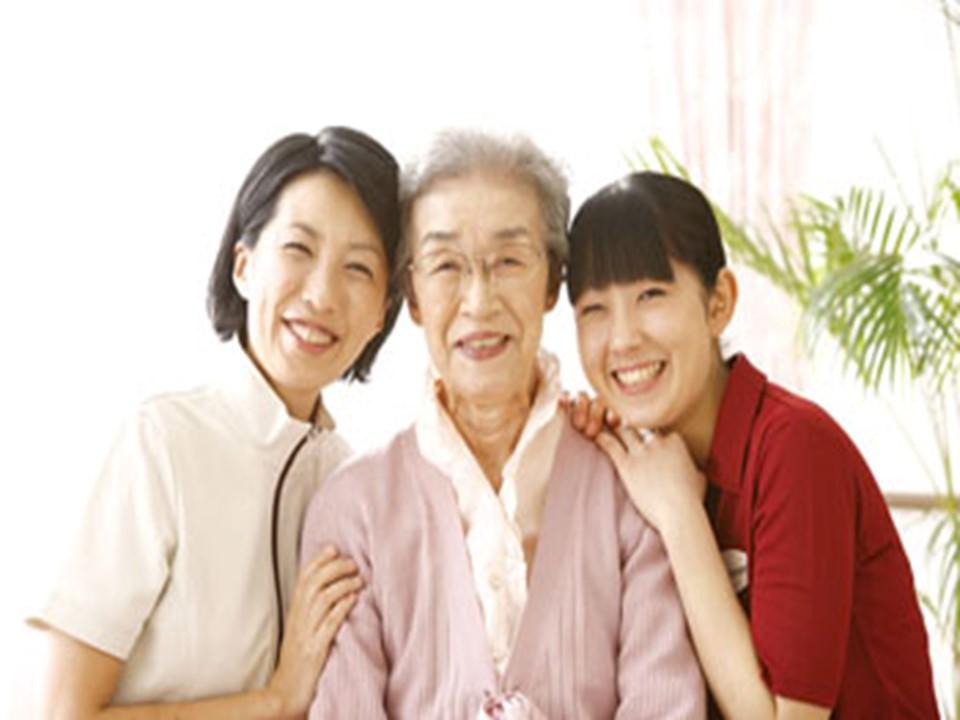 ◆マイカー通勤可能!◆未経験でも正社員になれる!◆各種待遇充実!◆幅広い年齢層が活躍しているアットホームな職場です!◆<伊勢原市/在宅ホスピスへの訪問介護> イメージ
